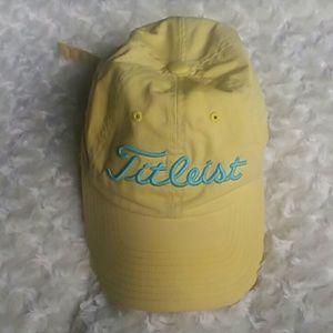 Titleist Accessories - Titleist yellow baseball cap 62135f490df